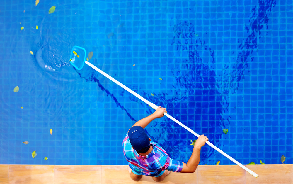 How to better manage your on site pool service workers for Pool service