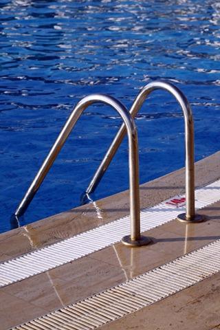 Swimming Pool Maintenance Company Dives Into Gocanvas